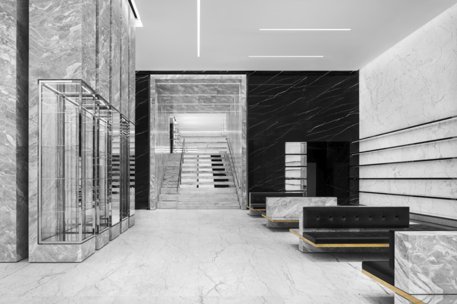 SAINT LAURENT_STORE_THE DUBAI MALL_HR_01