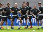 Bayern Munich's players warm up during a training session at the trainings ground of FC Bayern Munich in Munich, southern Germany, on April 24, 2018 on the eve of the UEFA Champions League first leg semi-final football match between Bayern Munich and Real Madrid.