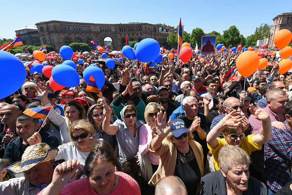 Supporters of Armenian protest leader Nikol Pashinyan attend a rally in downtown Yerevan