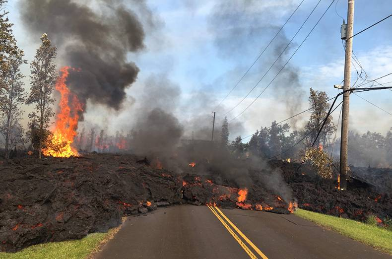 lava-from-a-fissure-slowly-advancing-to-the-northeast-on-hookapu-street-in-leilani-estates-hawaii