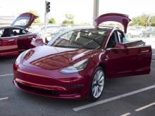 Tesla dual-motor Model 3 delivery in July