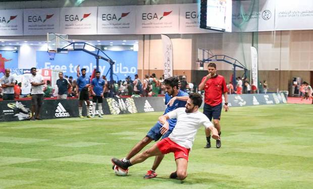 Dubai Sports World kicks-off with a parade of academies