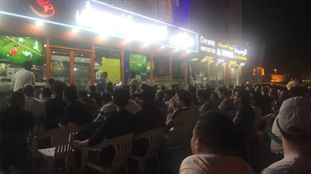 At Harafeesh cafe in Dubai, hundreds of fans have turned up to watch the Champions League final
