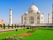 Taj Mahal west gate vandalised, tweeps furious