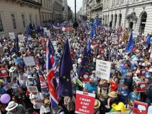 Thousands march in UK for second Brexit vote
