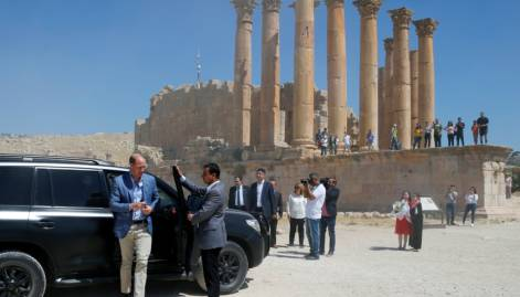 Prince William tours ruins of Jerash in Jordan
