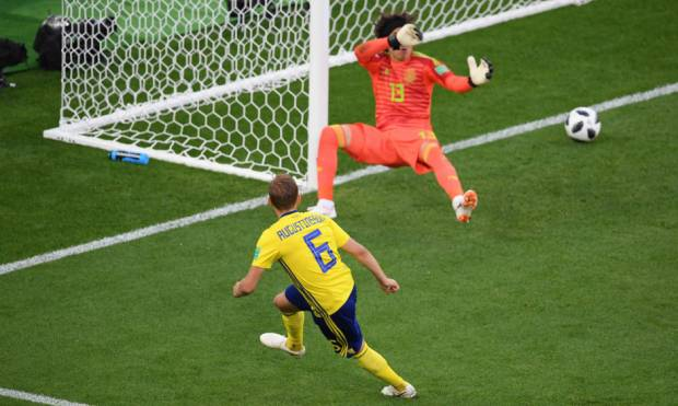 Pictures: Swedes beat Mexico 3-0