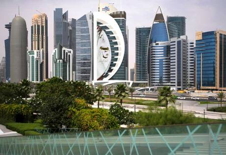 Court asked to resolve Qatar airspace issue