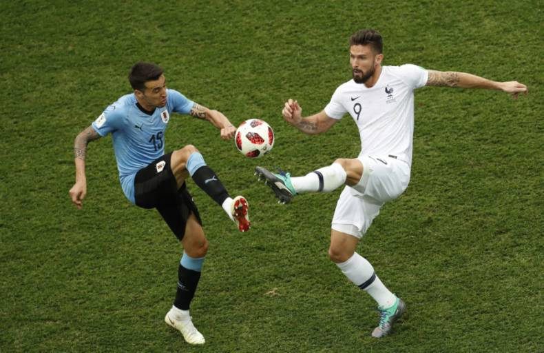 copy-of-russia-soccer-wcup-uruguay-france-26242-jpg-57413