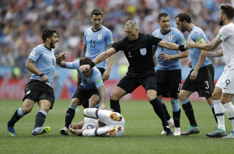 copy-of-russia-soccer-wcup-uruguay-france-29245-jpg-3fe76