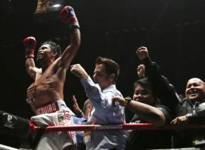Pacquiao clinches WBA welterweight title