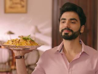 Pakistani man makes biryani, ad goes viral