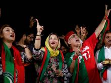 Pakistani voters reject religious extremists