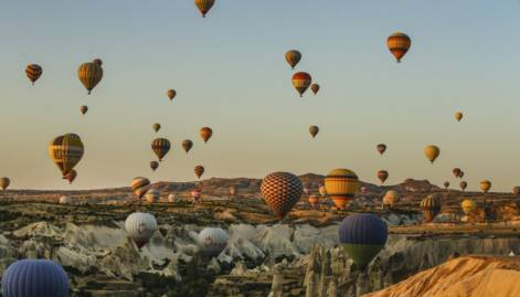 Breathtaking hot air balloon ride in Turkey