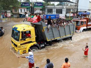 800,000 displaced in Kerala flooding