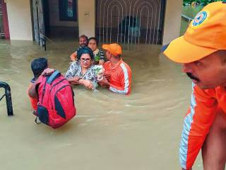 Kerala floods: 22,000 rescued on Sunday