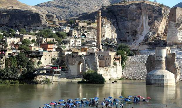 Ancient Turkish town faces obliteration