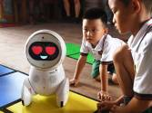 Robot teachers invade Chinese classrooms