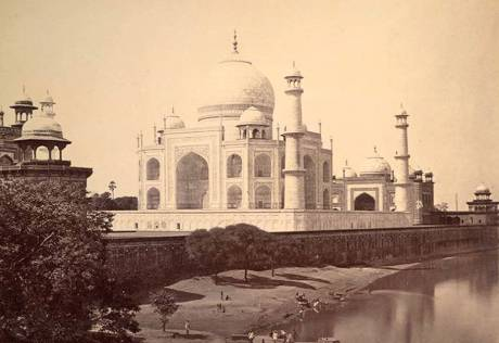 Seeking the Taj Mahal's original colour