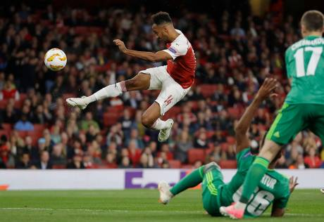 Arsenal, Chelsea both win as Europa League opens