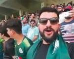 Pakistani expat sings Indian national anthem