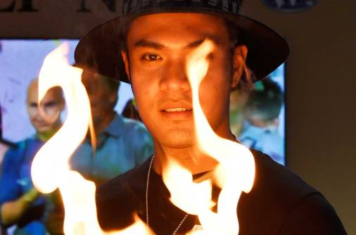 #Pinoy: This young Filipino can do magic