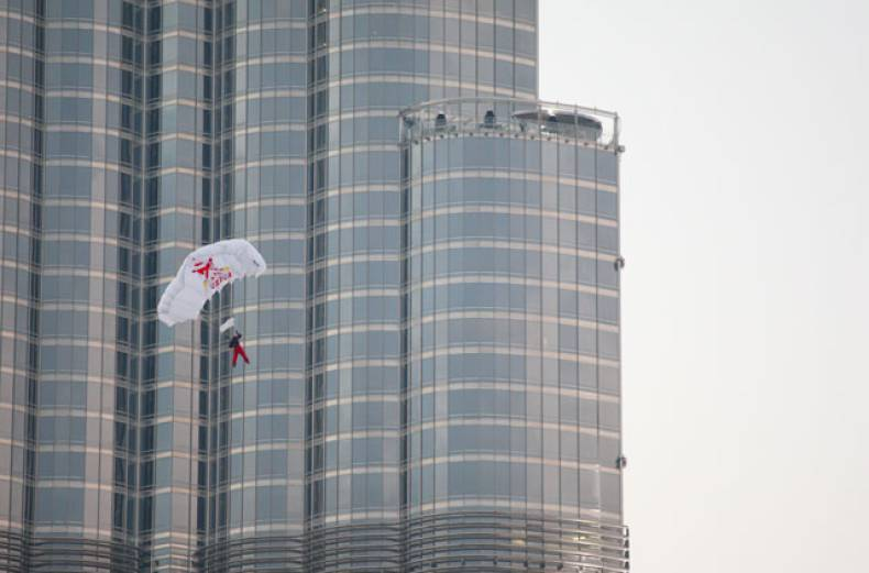 a-base-jumper-takes-flight-from-the-top-of-newly-opened-burj-kalifa