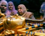 Hidden chamber in King Tut's tomb?