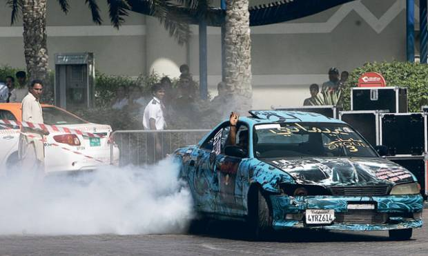 Extreme driving in Ajman