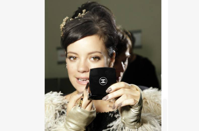 lily-allen-and-chanel