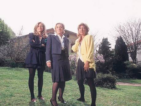 Elisabetta Gucci with mother Yvonne Moschetto and sister Patricia Gucci