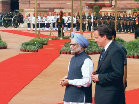 British Prime Minister David Cameron (left) and Indian Prime MInister Manmohan Singh