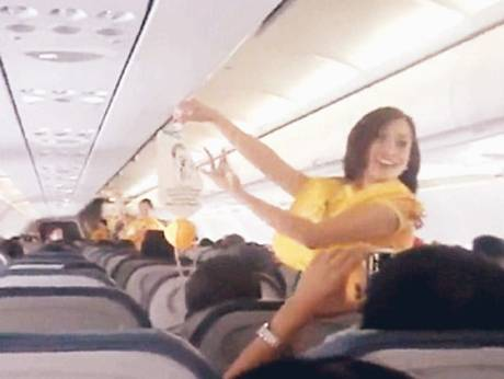 Cebu Pacific's dancing flight attendant