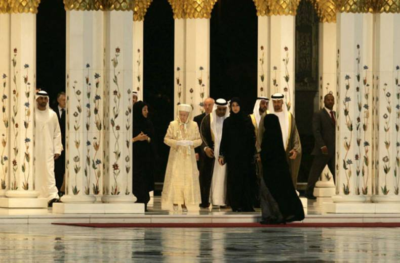 queen-elizabeth-ii-at-zayed-mosque