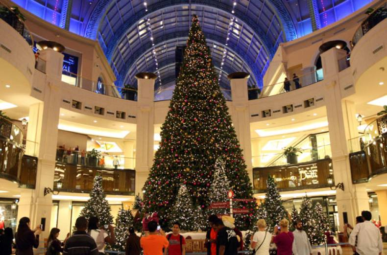 christmas-tree-at-mall-of-the-emirates