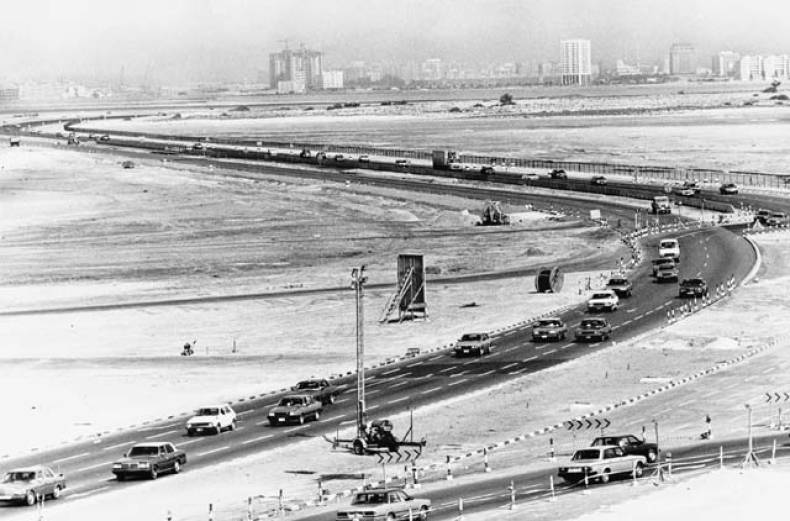 dubai-sharjah-road-in-1985