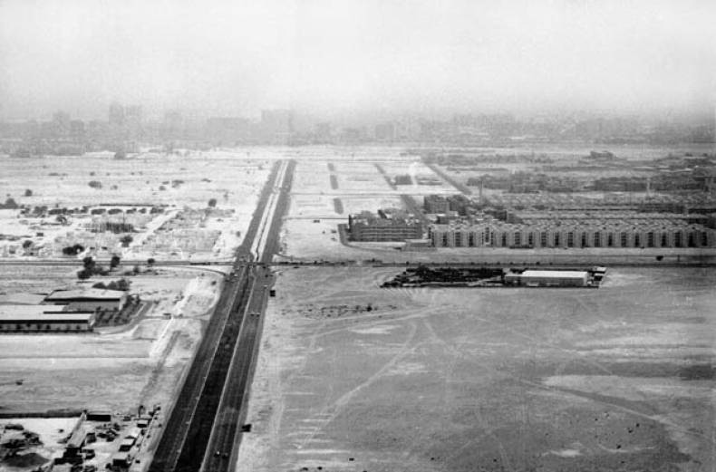 from-the-trade-centre-in-1981-looking-north-into-dubai-along-what-became-khalifa-bin-zayed-road
