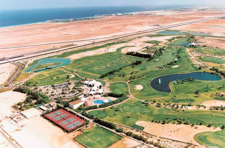 the-new-nine-hole-course-of-emirates-golf-club-in-1992