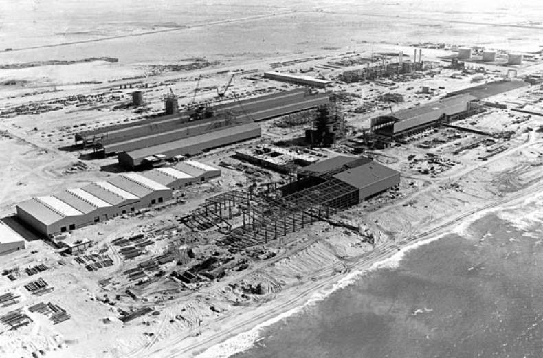 the-dubai-aluminium-company-s-dubal-smelter-under-construction-in-jebel-ali