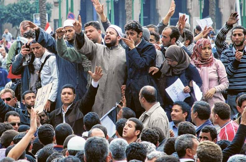 clerics-from-al-azhar-university-join-protesters-in-cairo