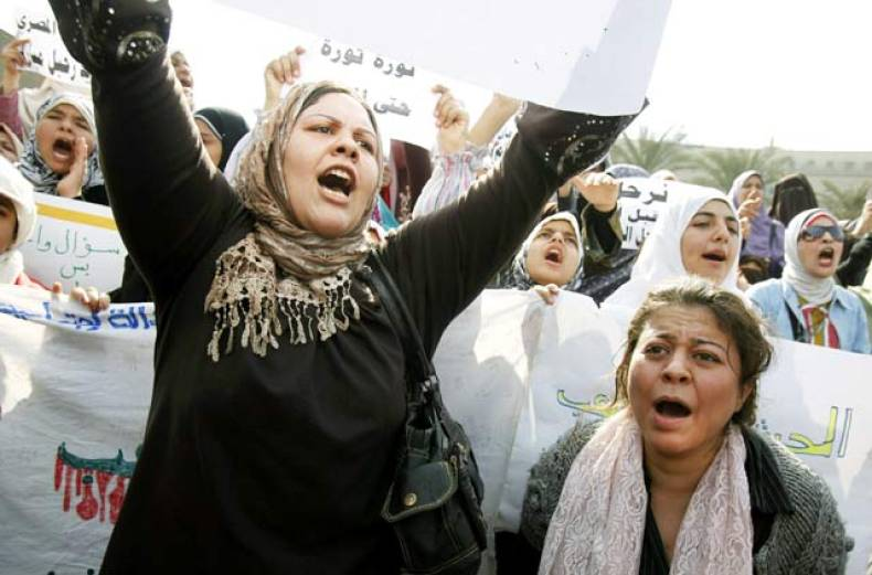 women-shout-anti-mubarak-slogans-as-they-demonstrate-in-the-main-square-in-cairo