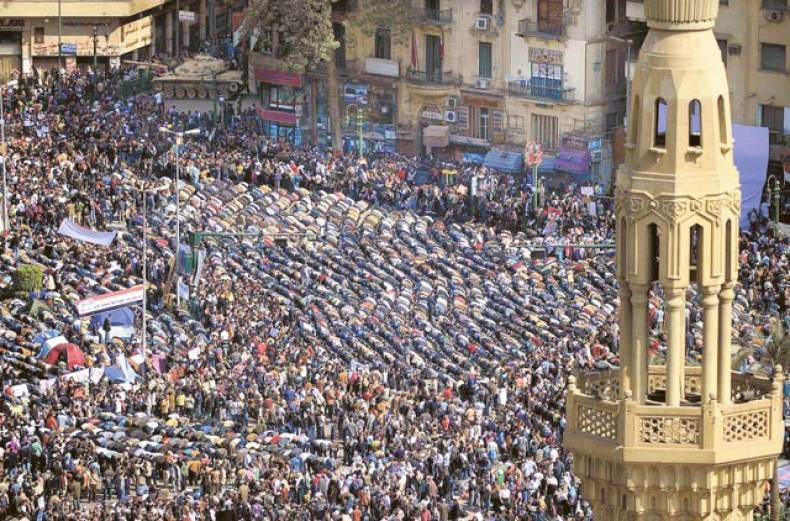 anti-government-protesters-pray-during-a-rally-in-tahrir-square-in-cairo