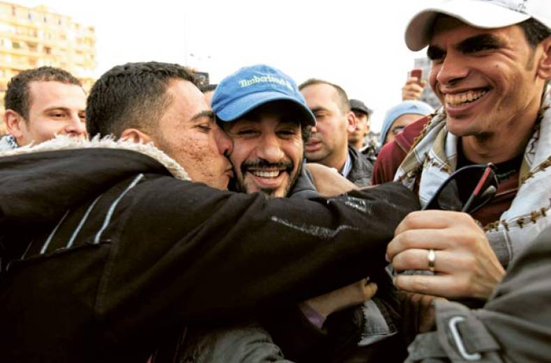 anti-government-protesters-embrace-egyptian-actor-ahmad-helmy