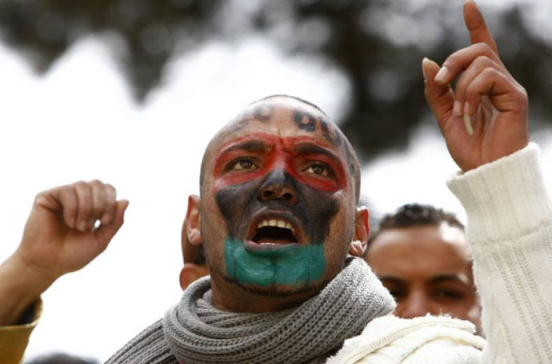 libyan-protester-with-his-face-painted