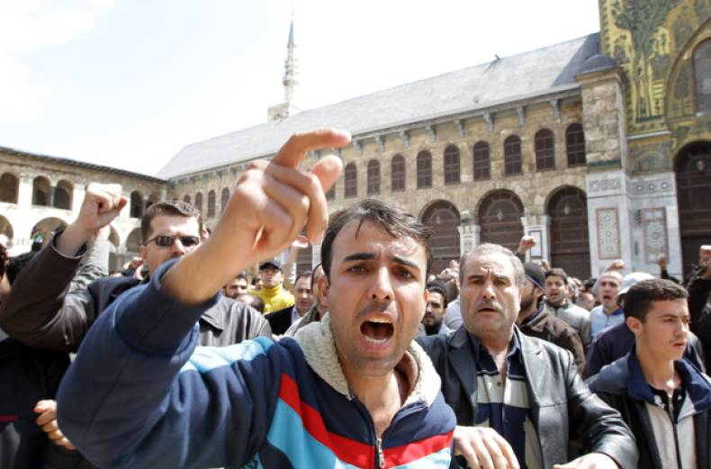 hundreds-of-syrians-march-from-the-centre-of-damascus-old-city