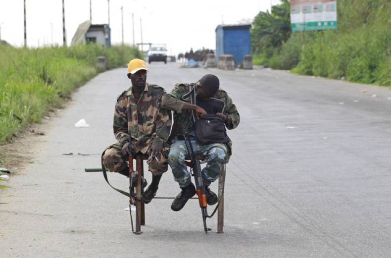 republican-forces-soldiers-loyal-to-alassane-ouattara-man-a-checkpoint