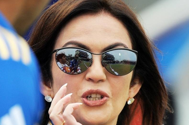 nita-ambani-gestures-during-the-match-between-delhi-daredevils-and-mumbai-indians