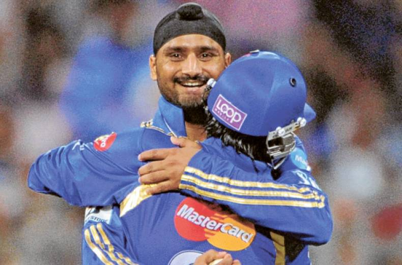 mumbai-indians-bowler-harbhajan-singh-celebrates-with-wicketkeeper-ambati-rayudu