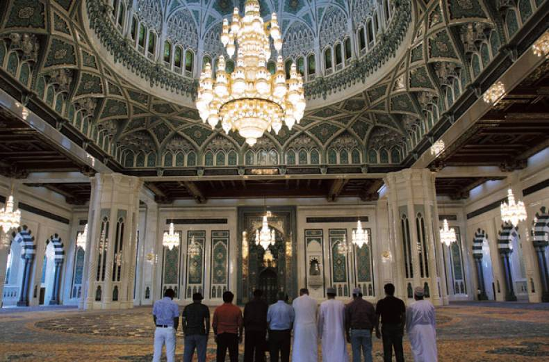 sultan-qaboos-grand-mosque-in-oman