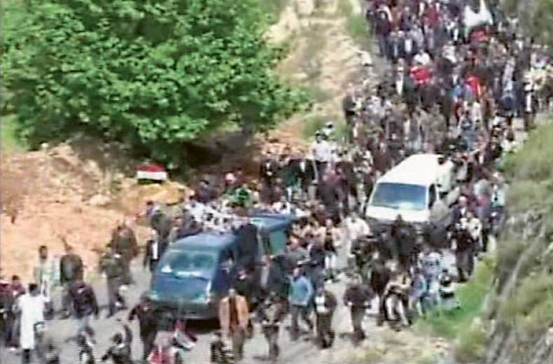 syrians-take-part-in-a-funeral